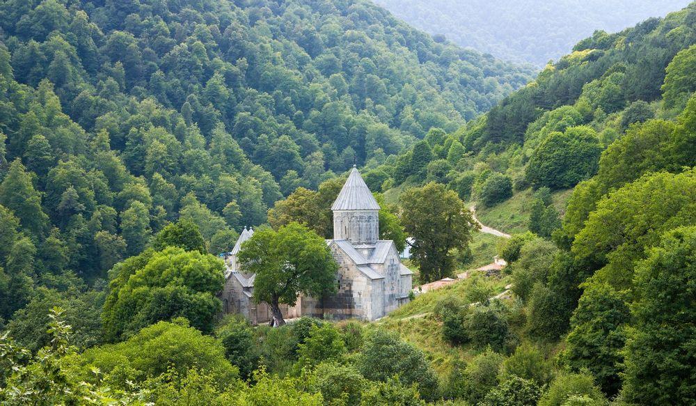 Индивидуальный тур Дилижан-Агарцин-Гошаванк, поход к затерянному водопаду | Bustourma