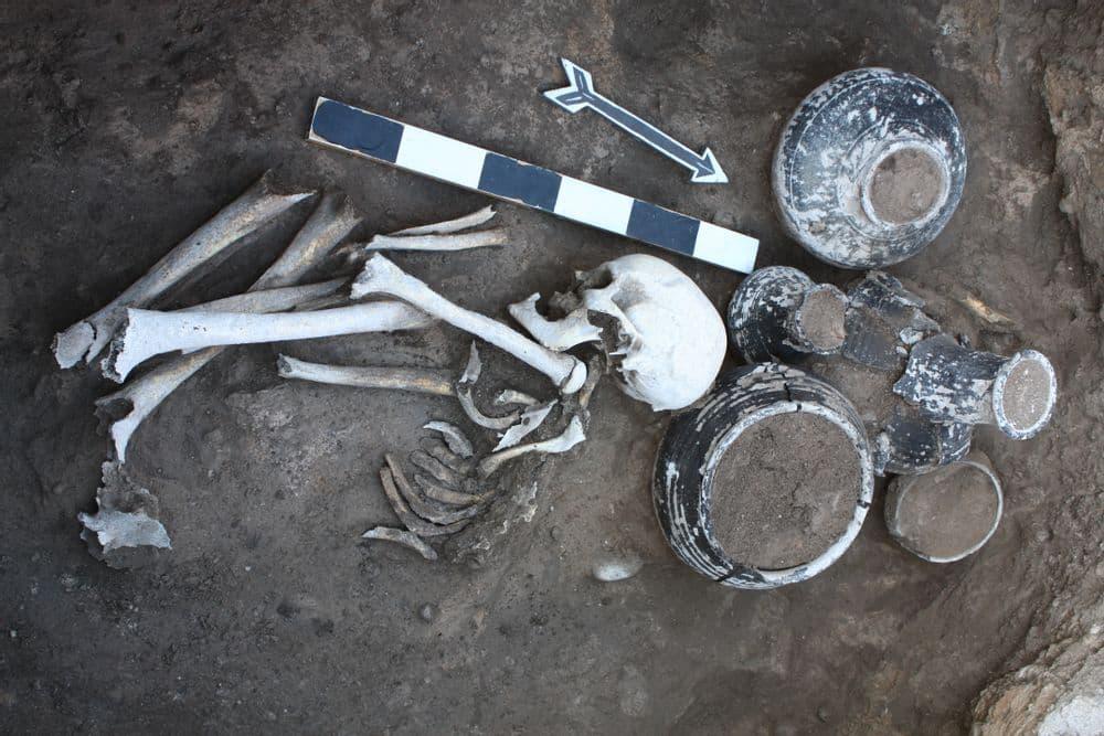 От Бронзового века к Железному - археологический тур   Bustourma